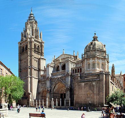 440px-Toledo_Cathedral,_from_Plaza_del_Ayuntamiento
