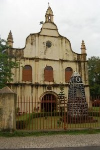 St. Francis Church in Cochin is the oldest European church in India. It was constructed in 1503 and Vasco Da Gama, the first European to discover India, was buried here. It has a very modest building but its the history behind it that makes it so important among all the churches in India.