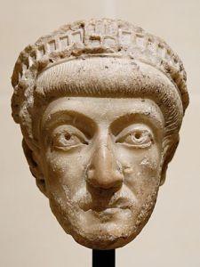 330px-Theodosius_II_Louvre_Ma1036