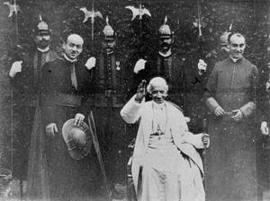 345px-Papst_Leo_XIII_1898