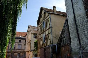 330px-Old_Jewish_Area_Troyes_of_Rachi_France